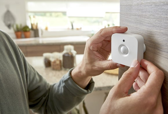 philips hue motion sensor attaching to wall