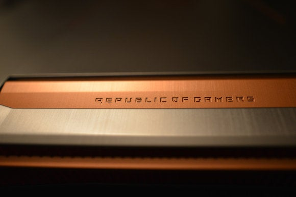 Asus ROG G752VS-XB72K Copper Accent Close-up