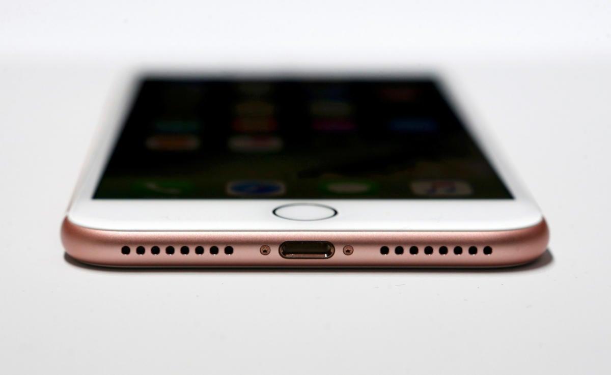 apple iphone 7 usb c audio port