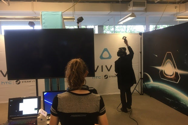 Virtual reality Black Friday 2016 deals spill from HTC, Microsoft, Walmart