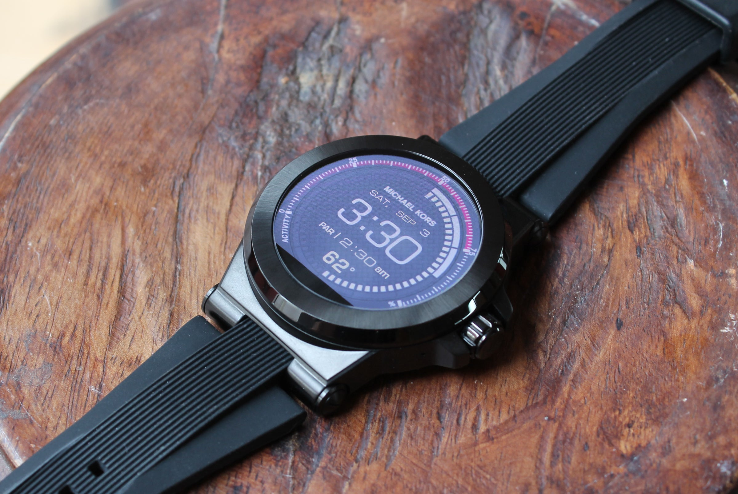 a68d452a07e4 Michael Kors Access review  A fashion-first approach to Android Wear ...