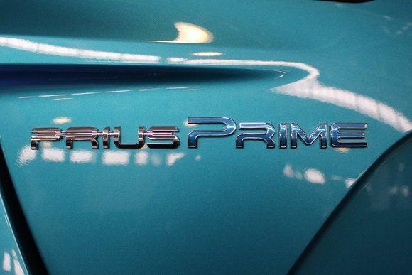 toyota prius prime sept 2016 badge