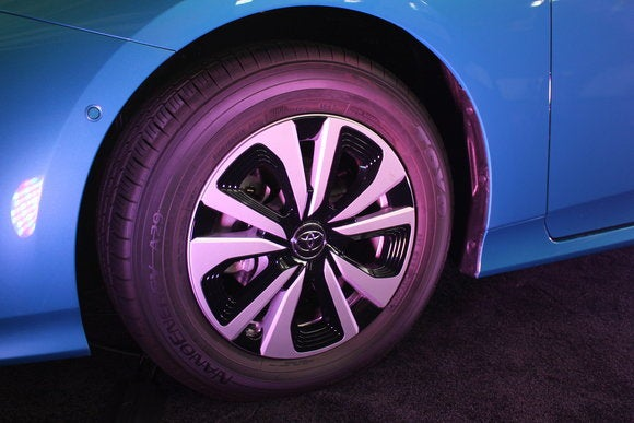 toyota prius prime sept 2016 wheel detail