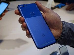 google pixel back in hand 2