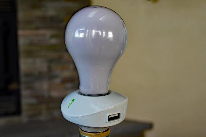 LampChamp USB port