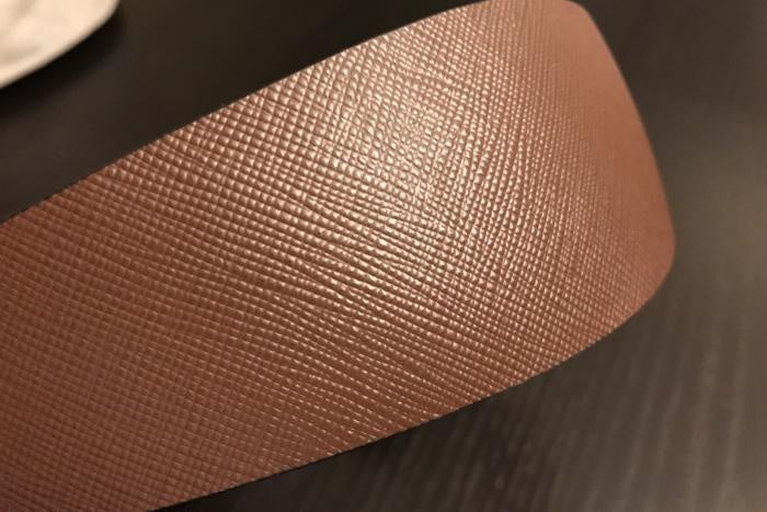 Detail of the cross-hatched leather along the top of the headband.
