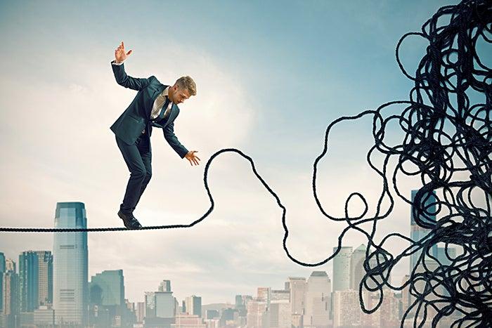 Doanh nghiệp không có đủ không có đủ kinh nghiệm và kiến thức so với các công ty phân tích thị trường