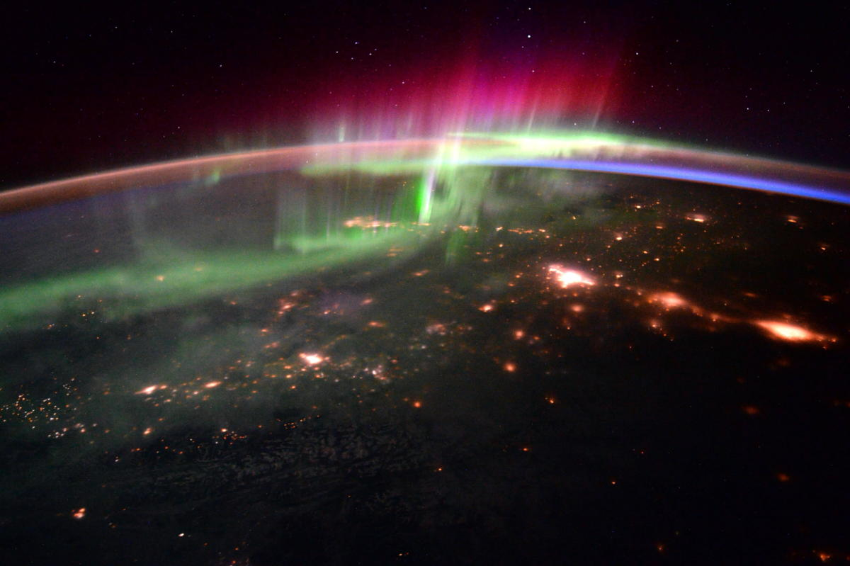 president-obama-targets-nasty-space-weather-response-with-executive-order