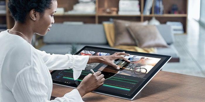Microsoft Surface Studio versus Apple MacBook Pro: A (tech) tale as old as time