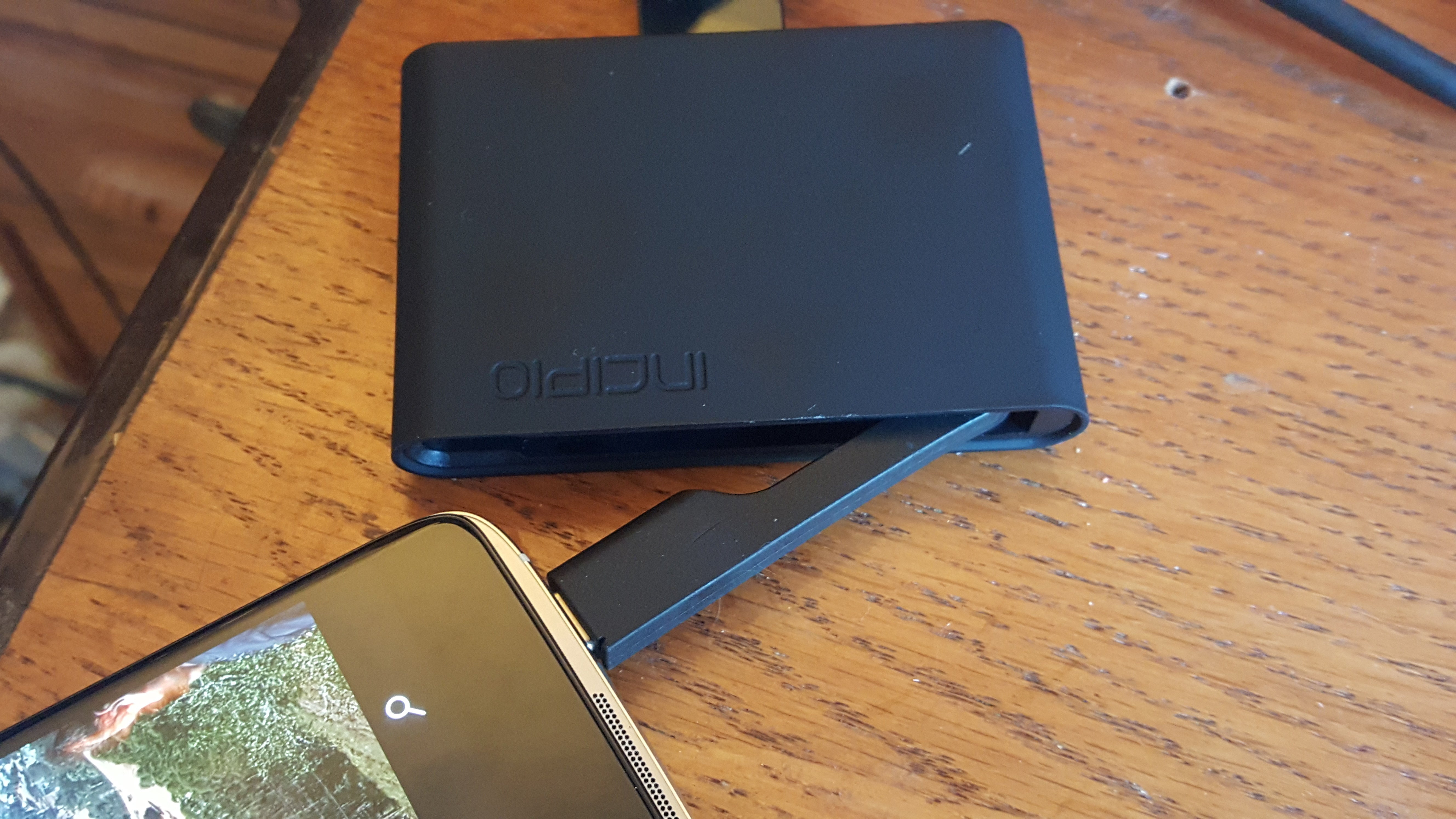Review: The Alcatel Idol 4S launches Windows phones into the