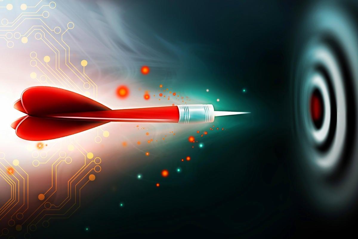 Computerworld Tech Forecast 2017 [dart flying towards target]