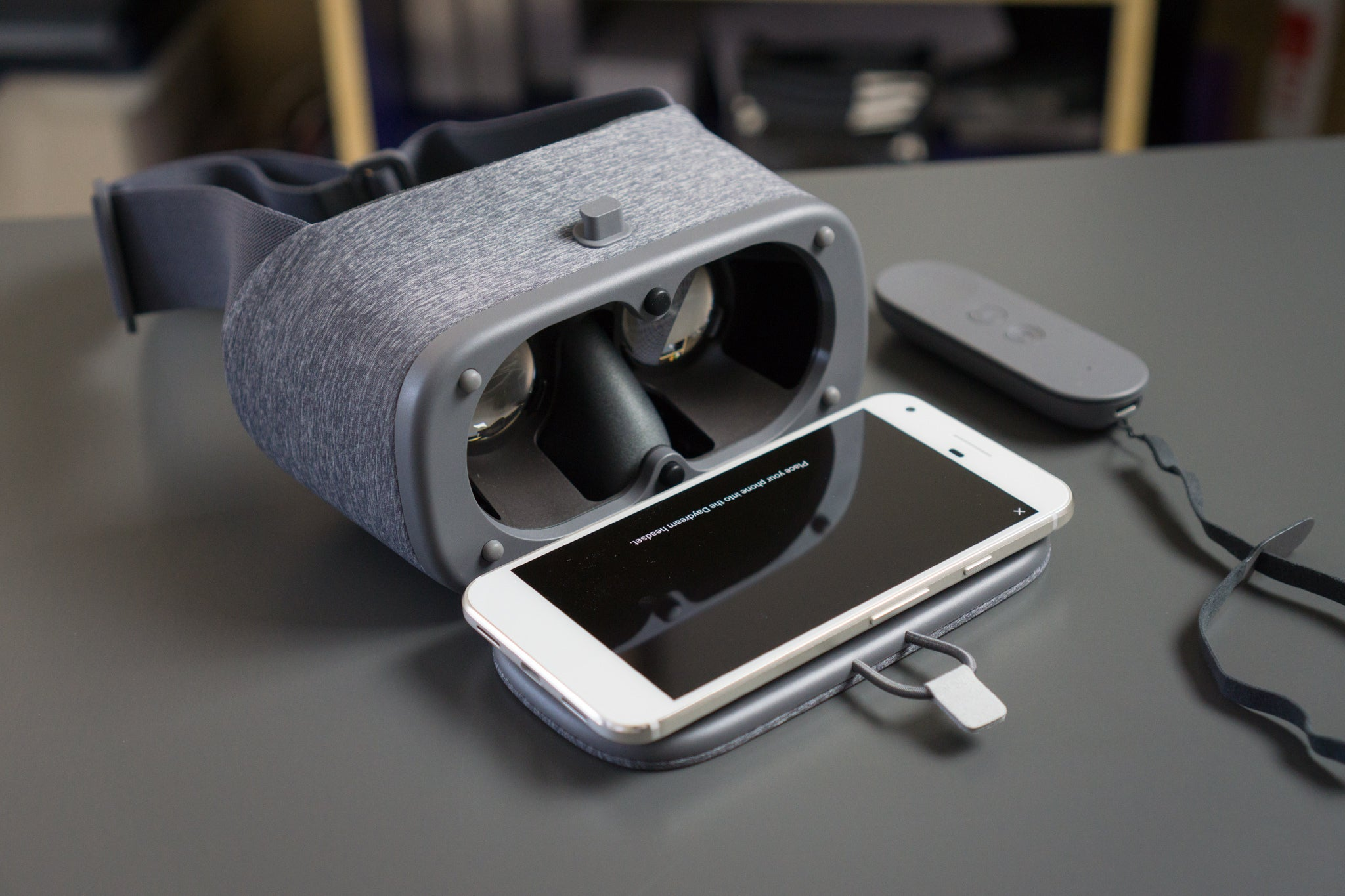 Daydream View review: Sparse content is all that stands