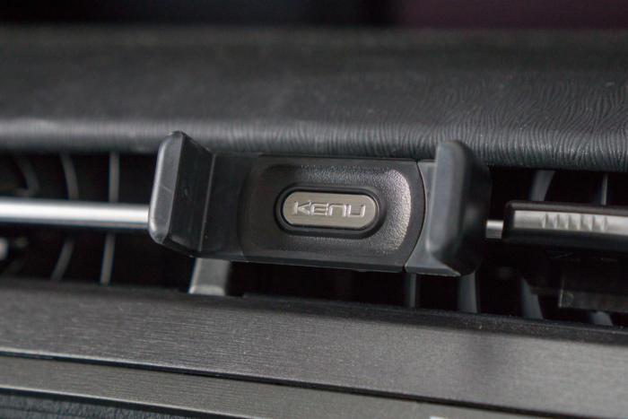 Kenu Airframe smartphone car mount
