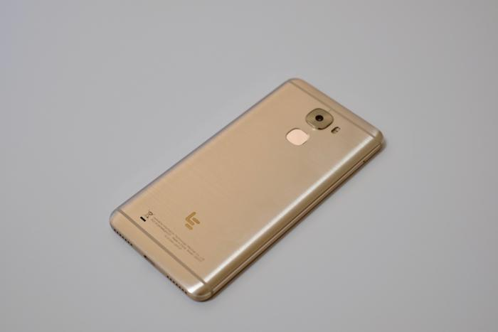 Le Pro3 Review Flagship Specs Low Cost And A Horrible