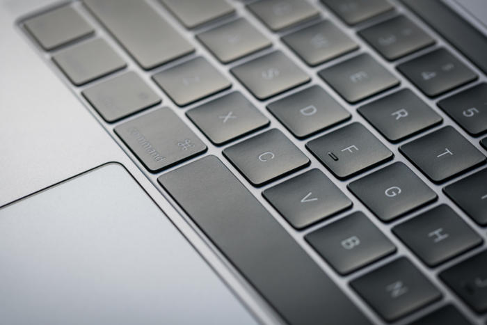 macbook pro 13 late2016 review adam keyboard