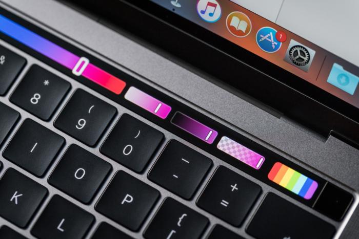 macbook pro late2016 review adam touchbar colors