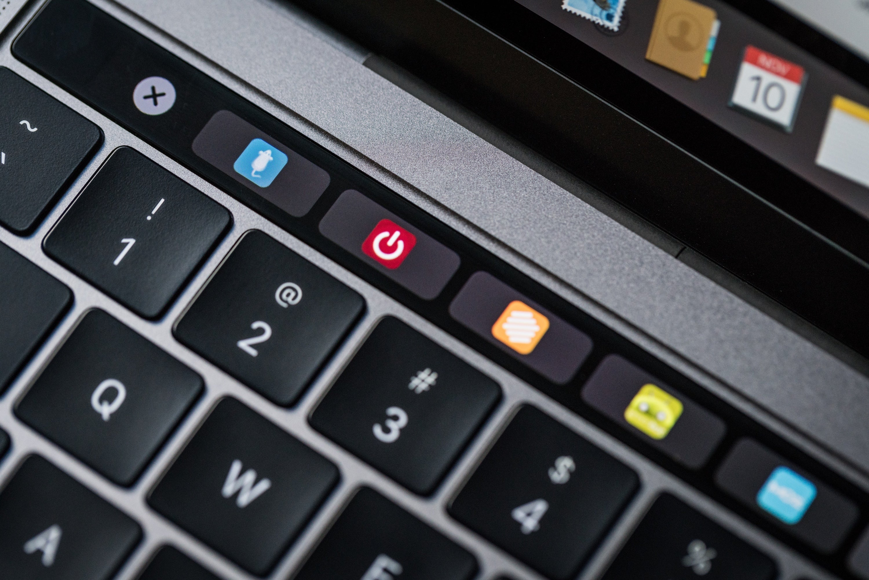Macbook Pro Late2016 Review Adam Touchbar Favicons