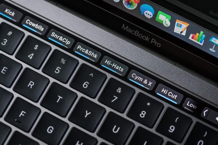 macbook pro late2016 review adam touchbar garageband