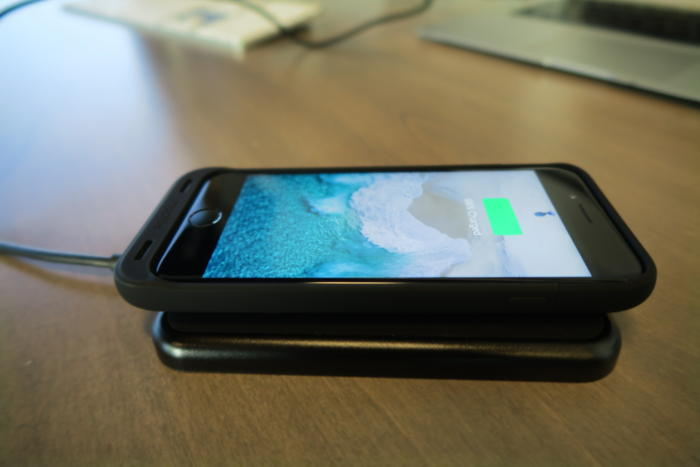 mophie battery case wireless charging