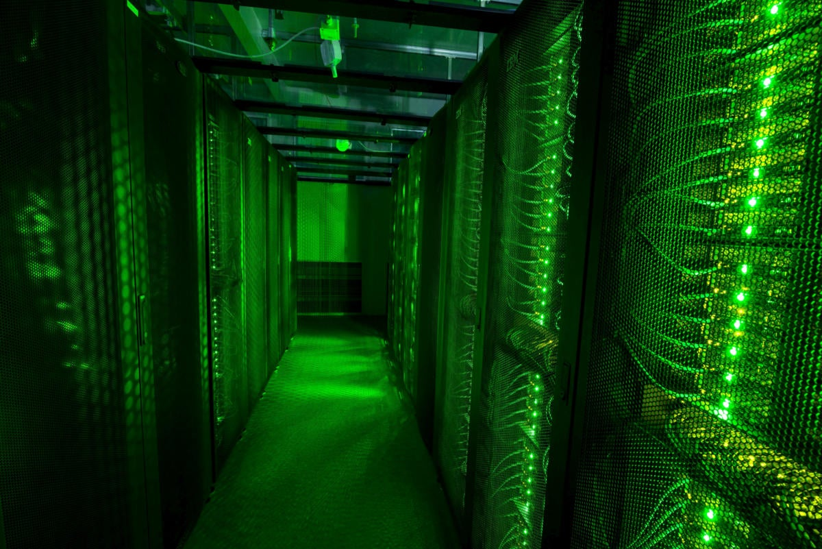 former-cisco-exec-rejoins-networking-giant-to-head-data-center-initiative