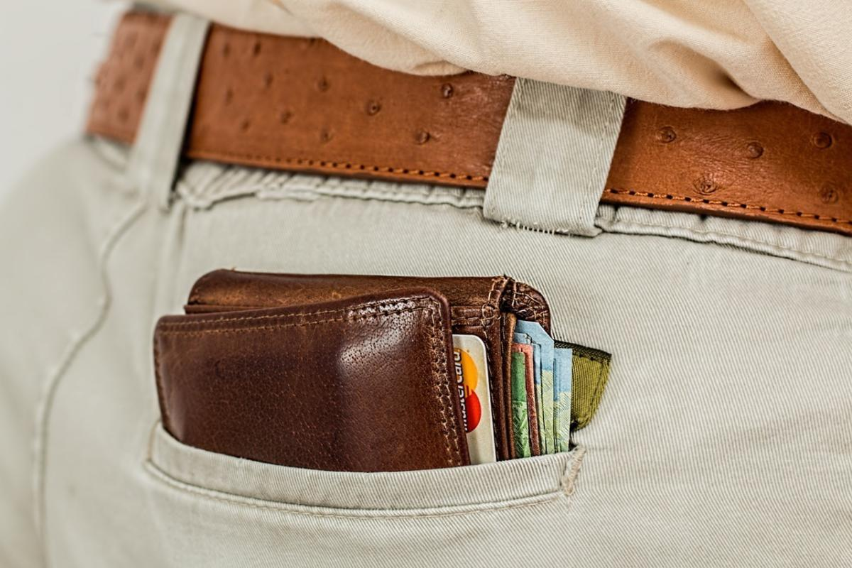 No, you still don't need an RFID-blocking wallet