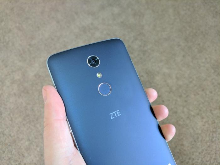 zmax pro fingerprint in hand