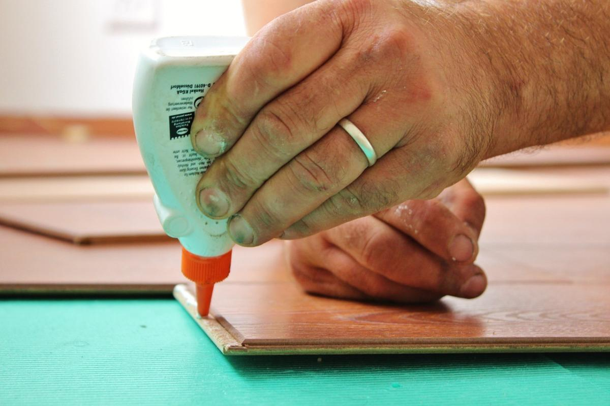 Glue, stitch, cobble: Weighing DIY container management