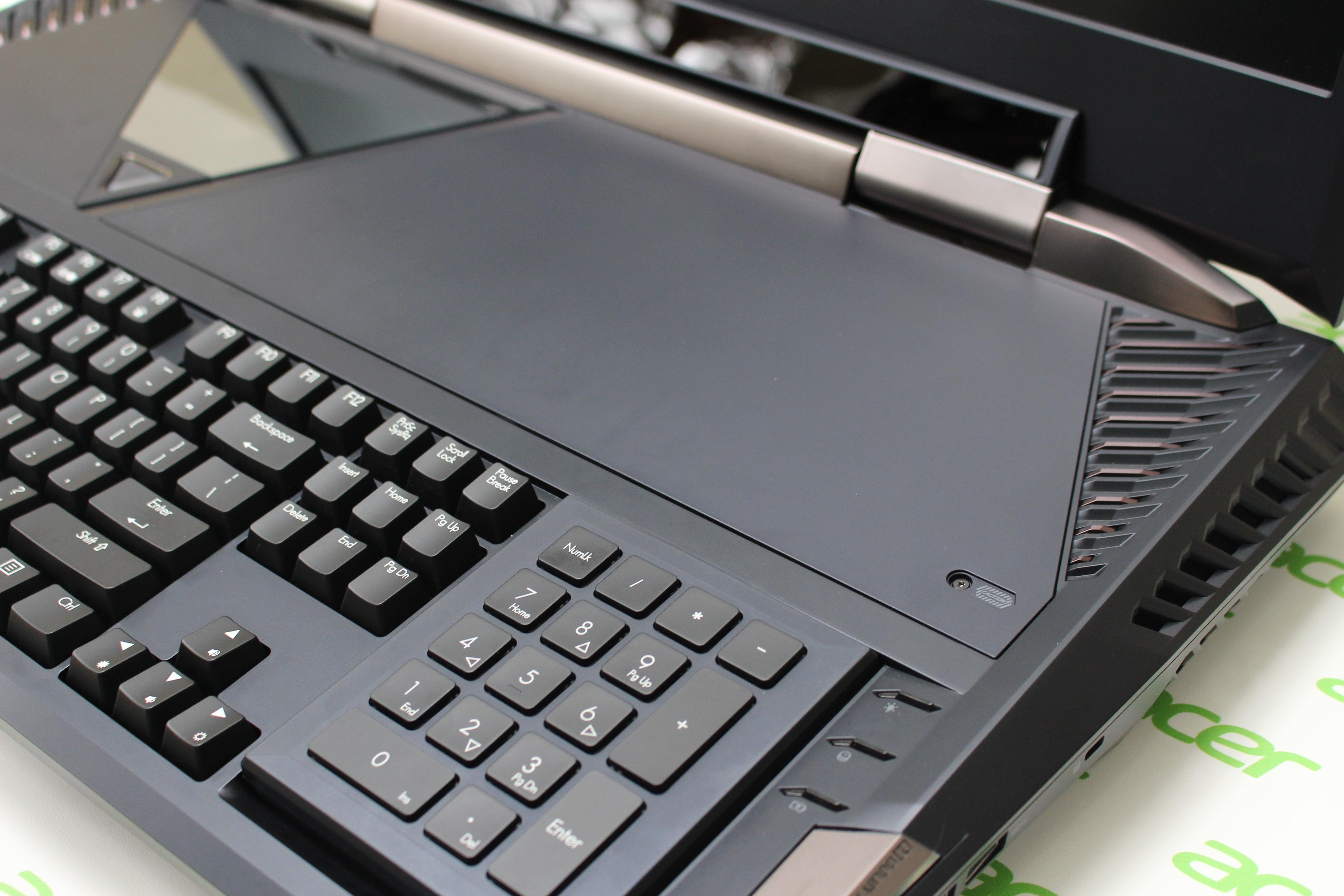 Hands On Acers Predator 21 X Packs Desktop Grade Gaming Into A Diagram Of Internal Computer Parts Laptop Acer Top Panel Keyboard