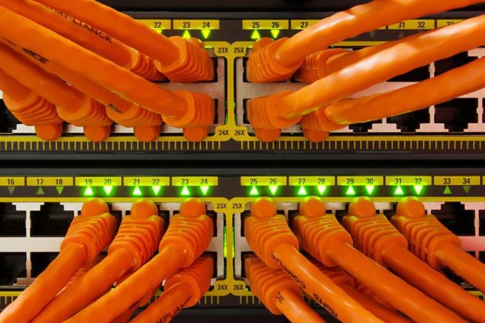 server cables orange