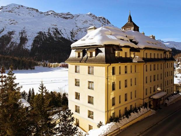 6 hotel