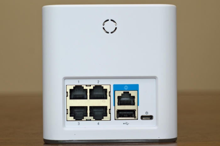 Amplifi router rear