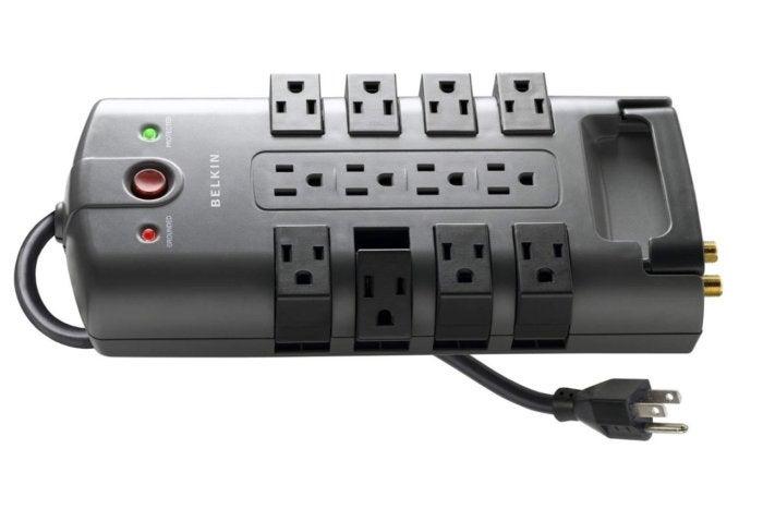 Belkin 12 Outlet Pivot Plug Review Clever Design Good Price