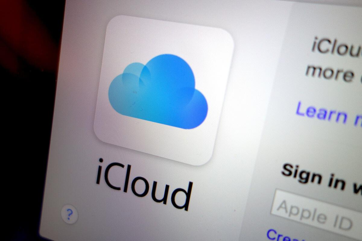 how to clear up space on icloud