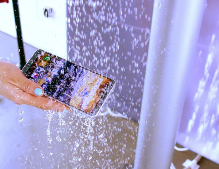 lg g6 waterproof fixed