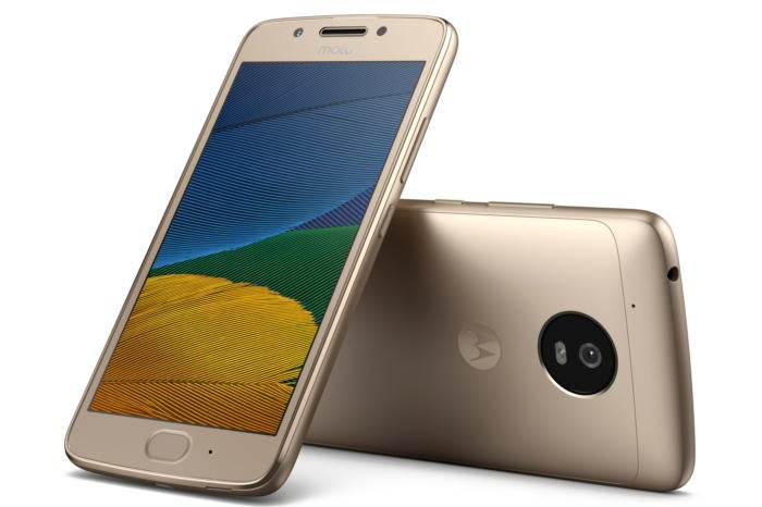 Hands on with the Moto G5 and G5 Plus: Almost like budget Nexus phones