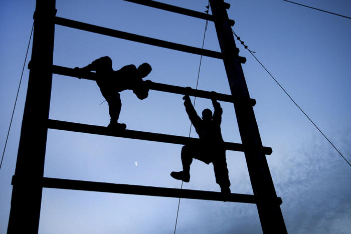 obstacle course climb