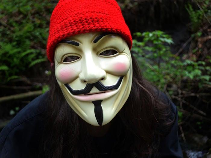 Homeless, fugitive hacker asks for asylum in Mexico