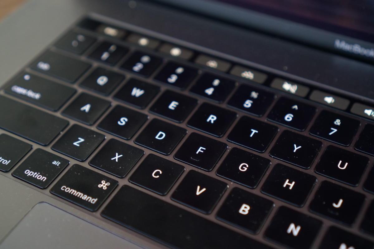 Mới MacBook Pro 15 so với XPS mới 15