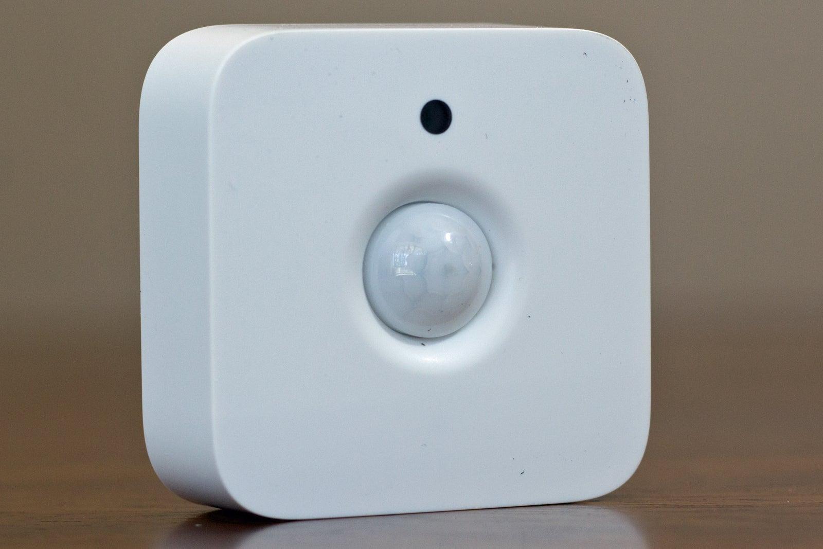 Philips Hue And Sylvania Lightify Motion Sensor Reviews