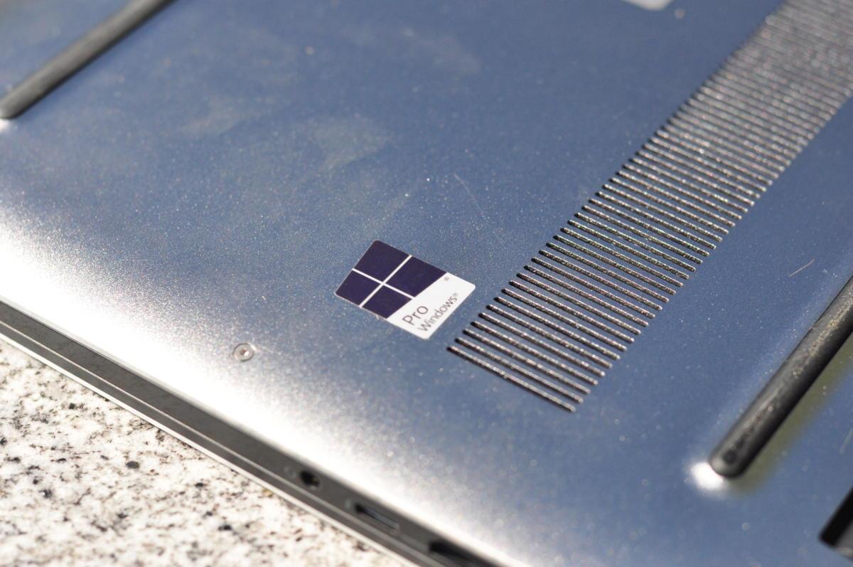 precision 5520 windows sticker