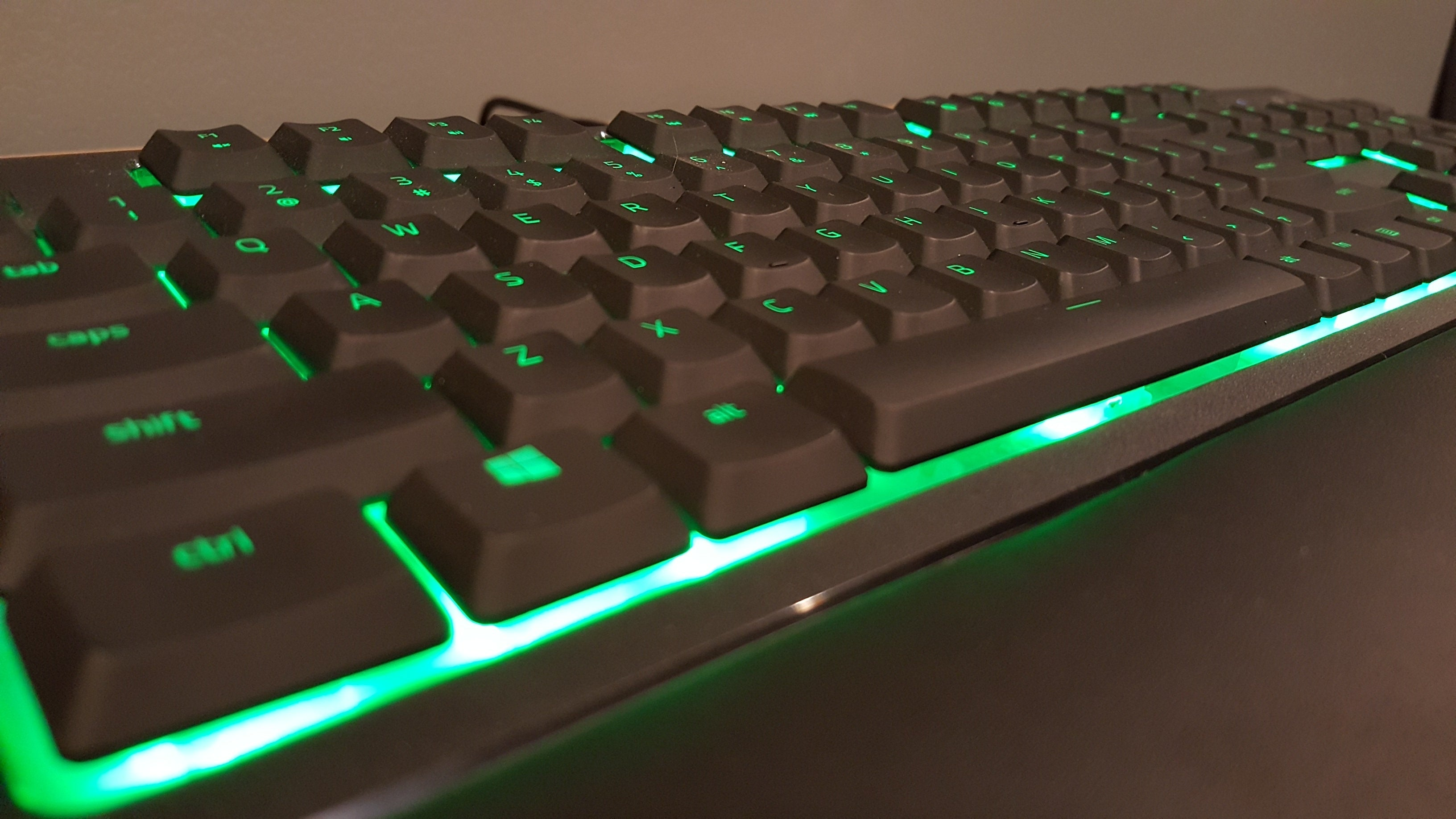 f17649b9147 Razer Ornata review: An expensive rubber-dome keyboard that comes with a  mechanical click
