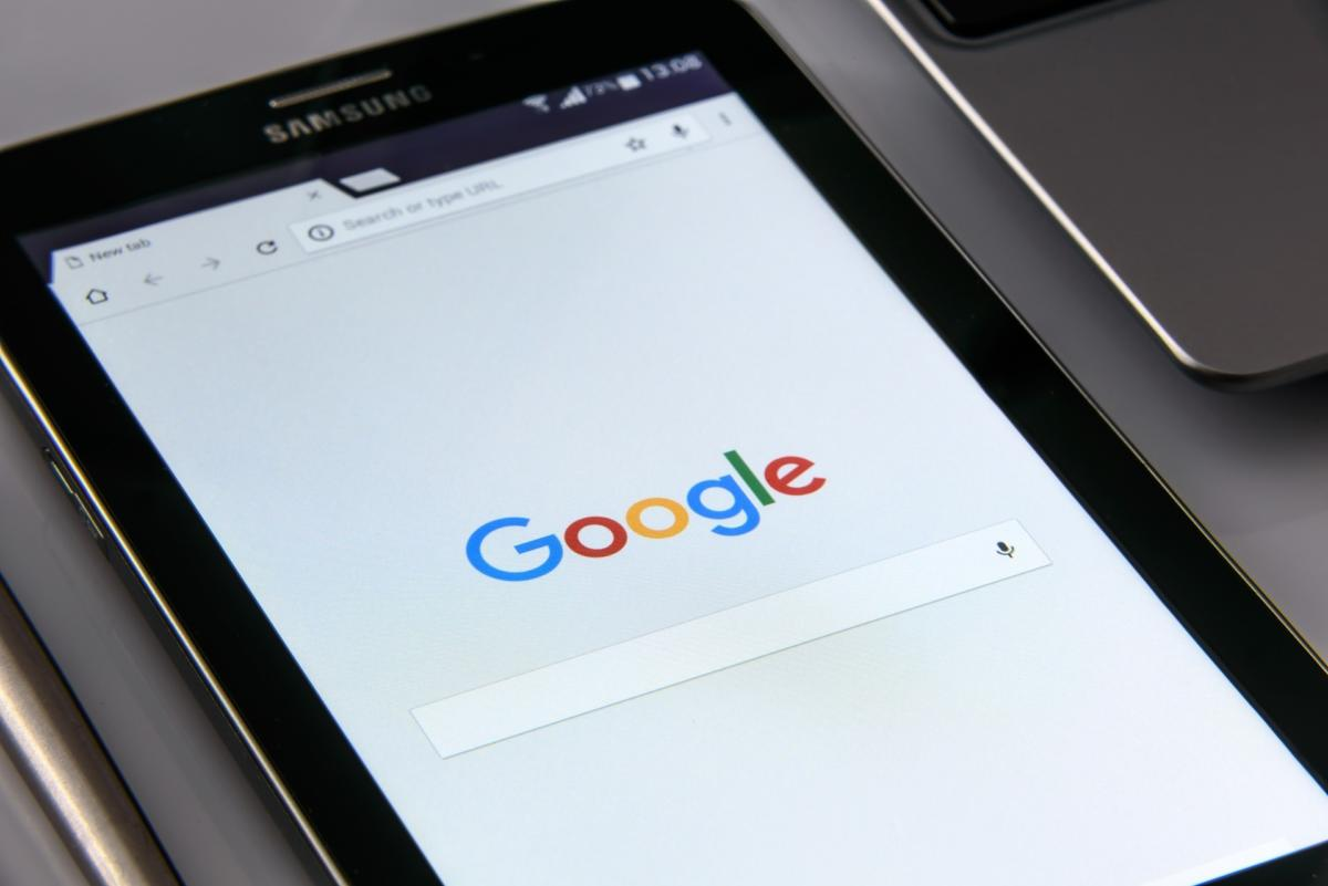 Google, Facebook go back to the future for a better mobile web