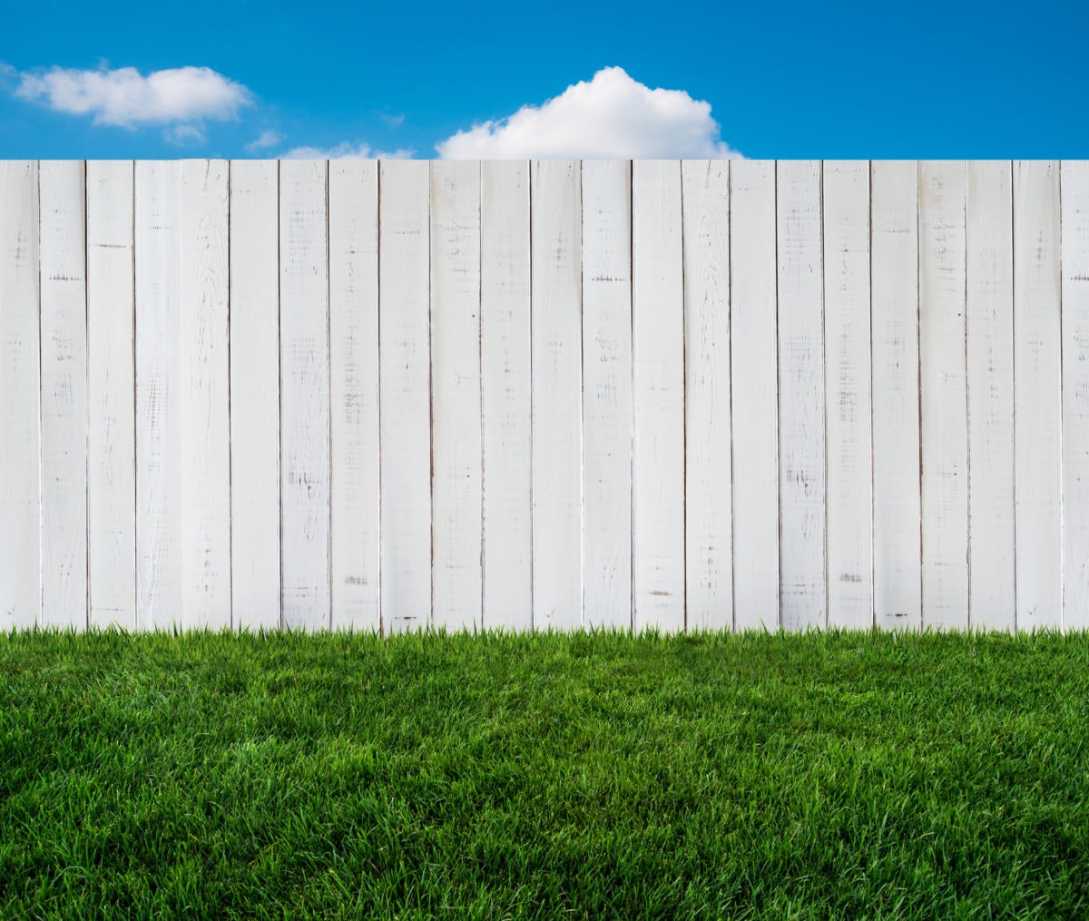 thinkstockphotos fence 488873591