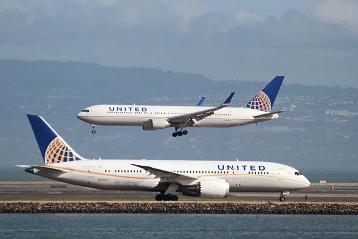 united airplane runway