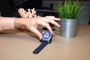 Video: ZTE's first Android smartwatch is here