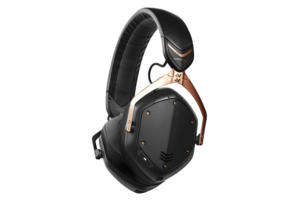 V-Moda Crossfade 2 Wireless in rose gold with aptX Bluetooth codec.