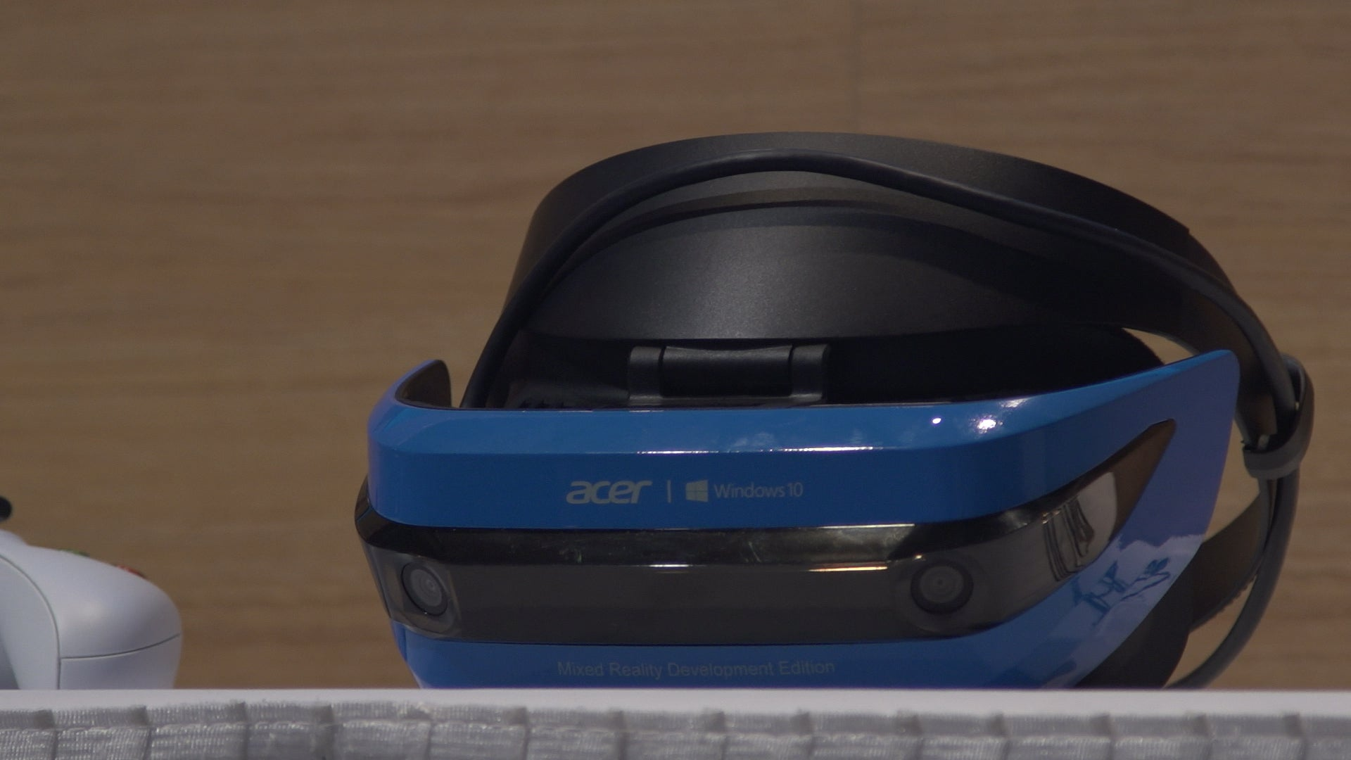 Acer's Mixed Reality Headset for Windows 10