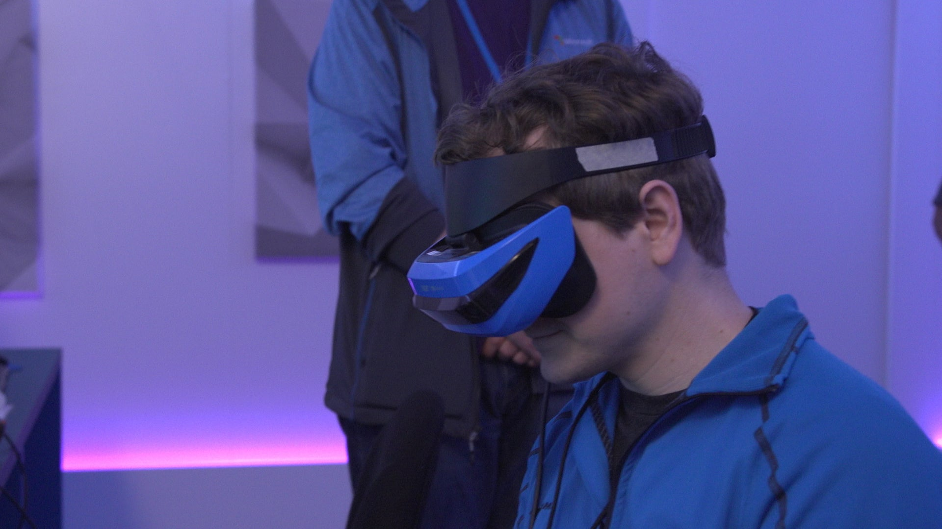 Man wearing the Windows based Acer Mixed Reality headset