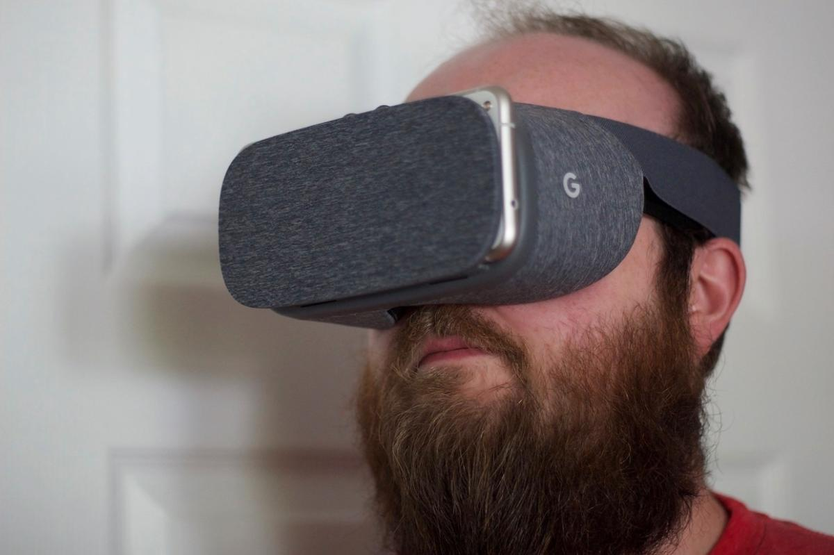 Gear VR vs  Daydream: Which delivers the best VR experience