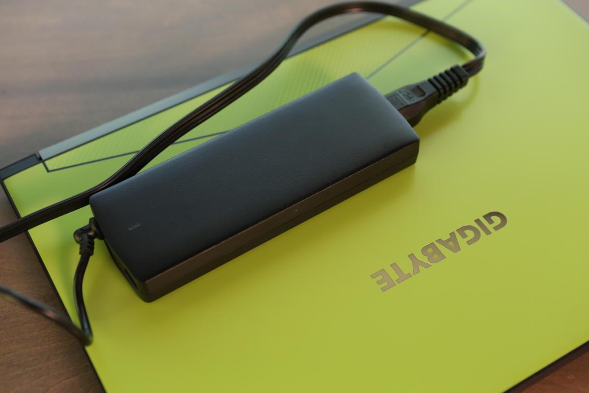 gigabyte aero 15 brick